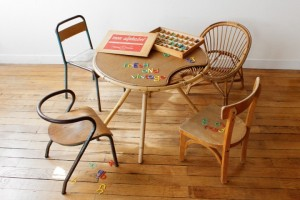 Ambiance_enfant_rotin_4_chaises_vintage-720x480