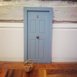 puerta-gris-azulada