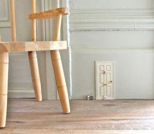 puerta ratón blanca