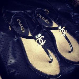 sandalias tiras chanel