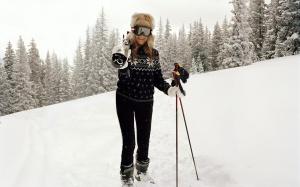 AerinLauder esquiando