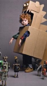 niño caja robot