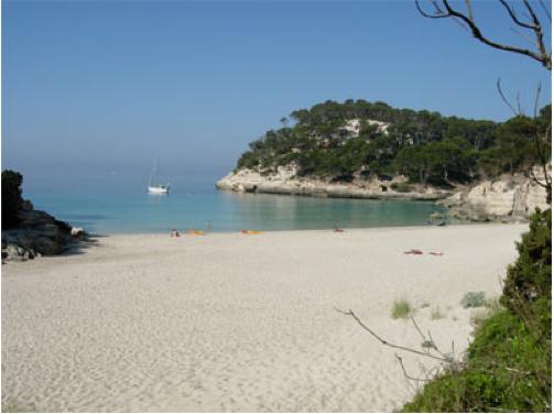 Cala Mitjana Menorca, niños