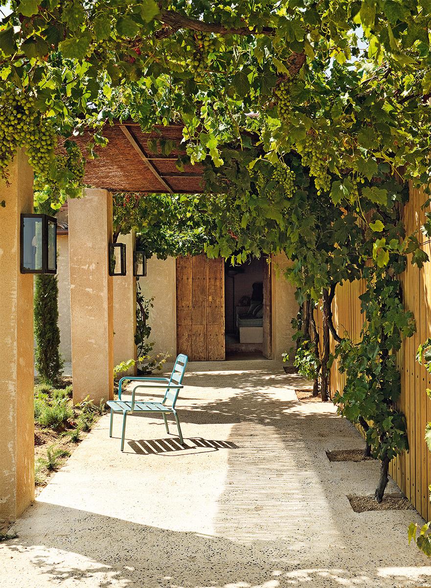 una_casa_en_la_costa_brava_563540997_881x1200